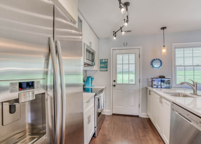 1417 Buckthorn Drive, kitchen showing appliances