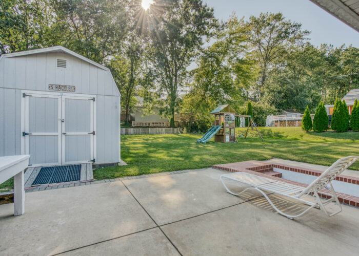 4247 Darleigh Road, shed and patio
