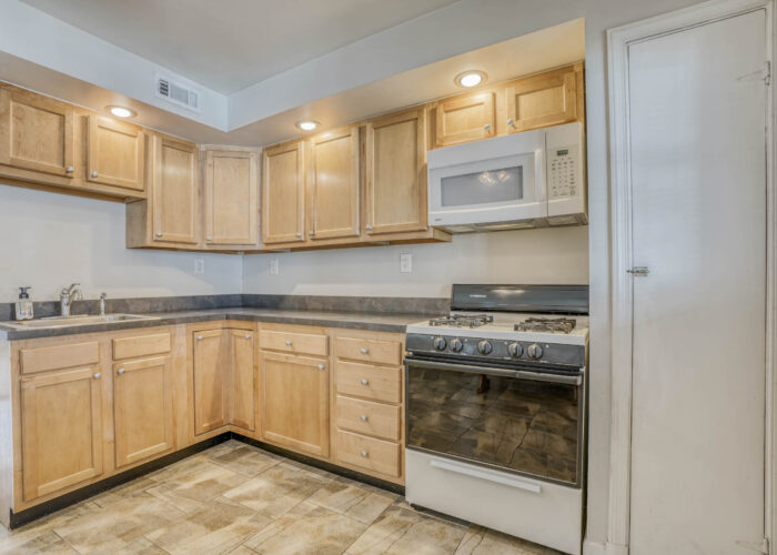 1904 Searles Rd., cabinets