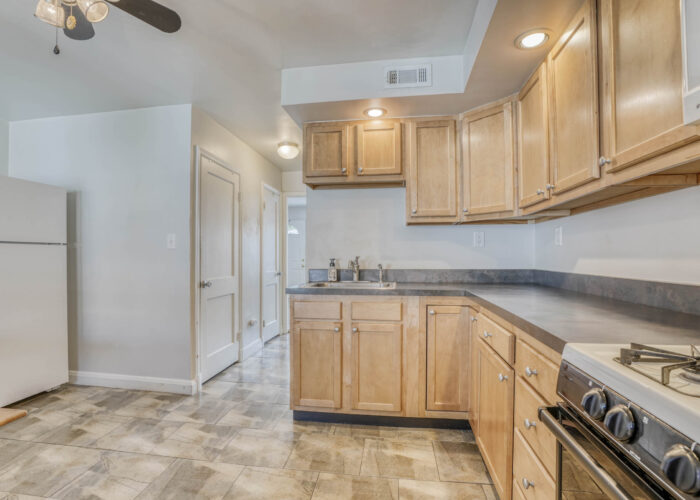 1904 Searles Rd., kitchen counters and range