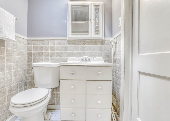 1904 Searles Rd., bathroom with sink