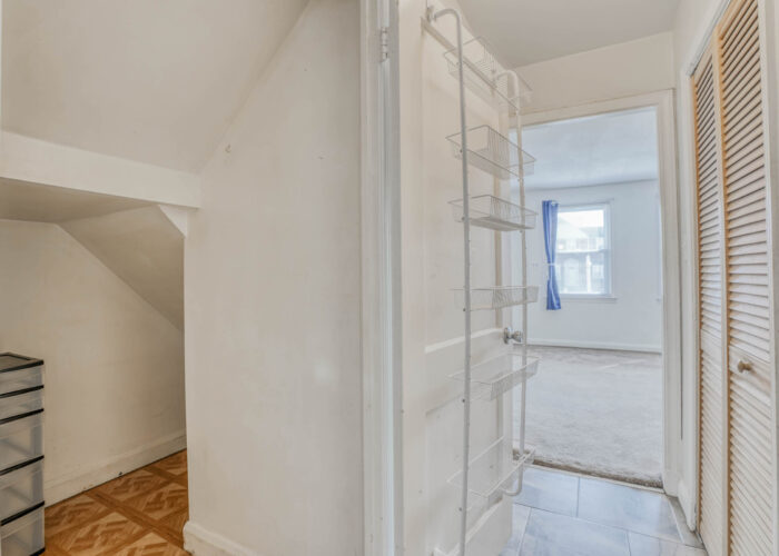 1904 Searles Rd., hallway and closet