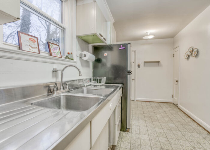 20 E Seminary, kitchen with stainless steel sink