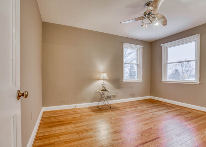20 E Seminary, bedroom with ceiling fan