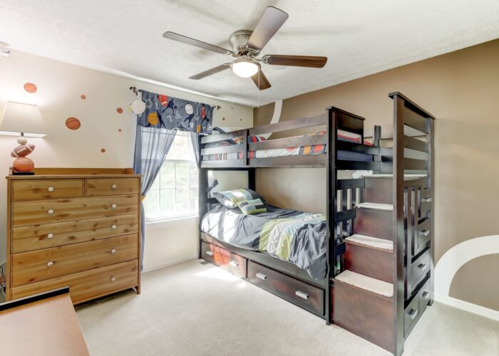 19 Redare Court, second bedroom with ceiling fan