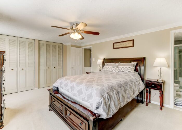 19 Redare Court, first bedroom with bath