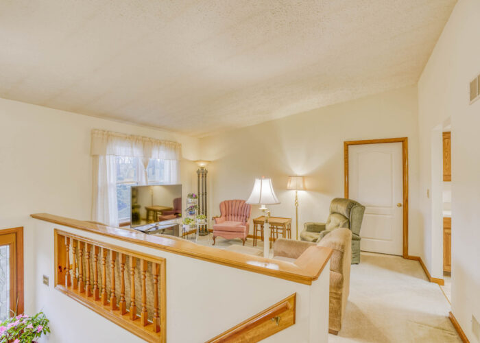 198 Donizetti Ct., hallways and view of living room