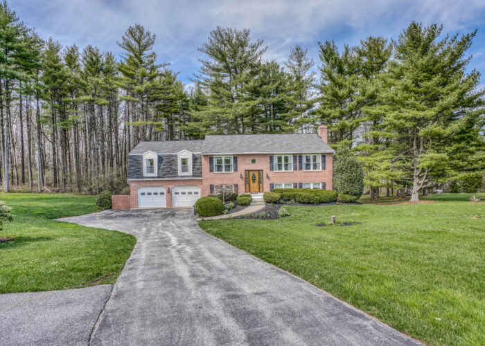 198 Donizetti Ct., view from the street of house front