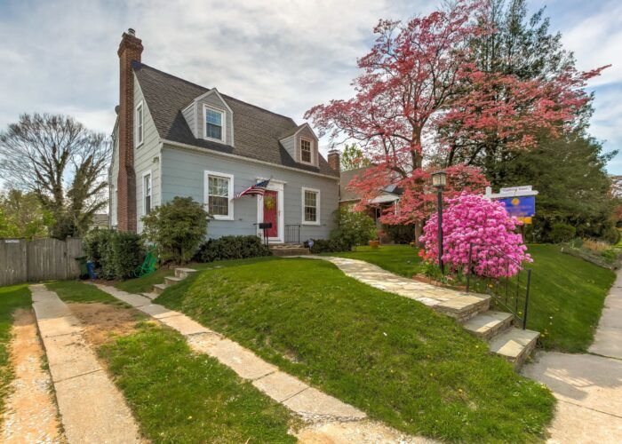 2821 Bauernwood Ave, front of house