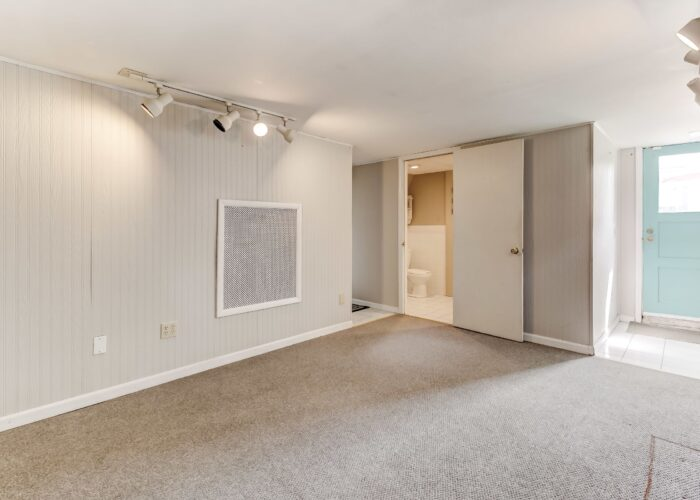 2821 Bauernwood Ave, lots of space for a man cave