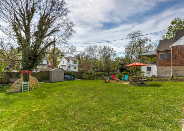 2821 Bauernwood Ave, backyard with grass