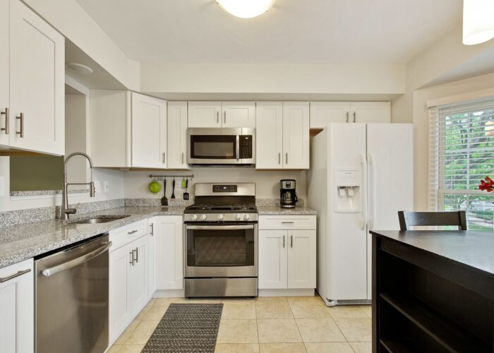 47 Cedarcone Court, lots of cabinet space