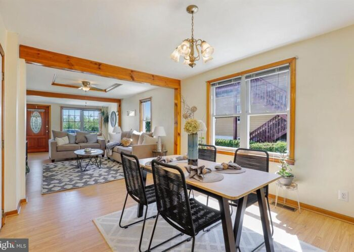 7312 Bay Front Road, dining room