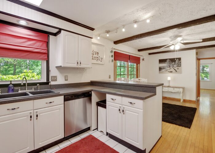 808 Gary Drive, kitchen looking into dining room