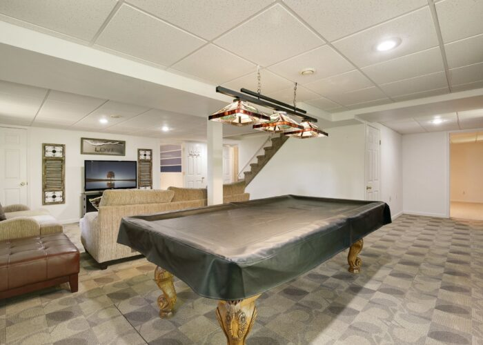 808 Gary Drive, room for a billiards table