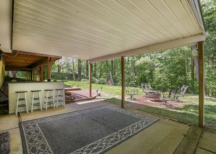 808 Gary Drive, covered patio