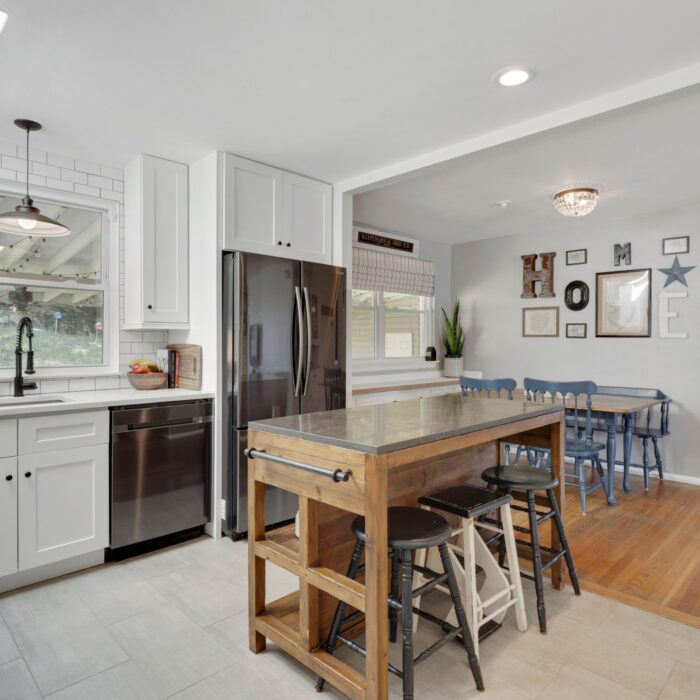 9646 Dundawan Road, stainless appliances