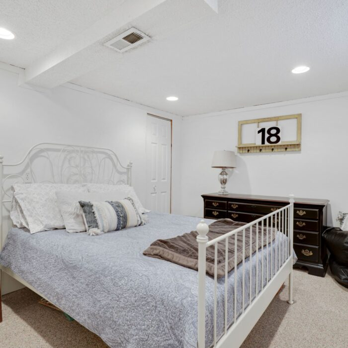 9646 Dundawan Road, possible fourth bedroom
