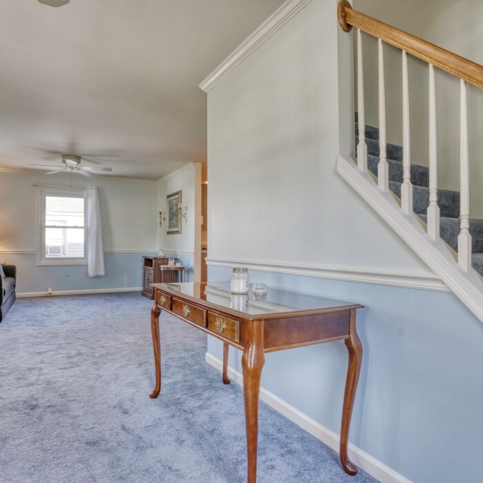 2803 Page Drive, entryway space