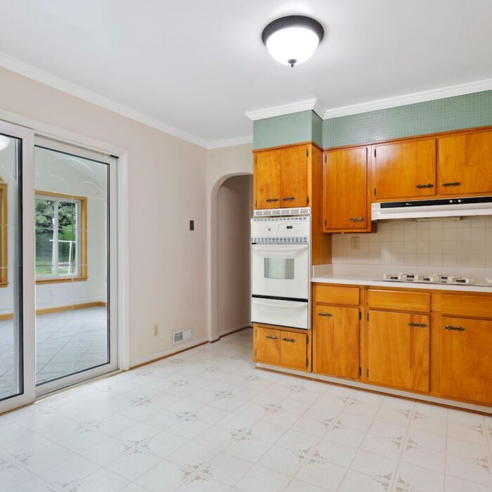 4200 Necker Avenue, kitchen with doors leading to sunroom