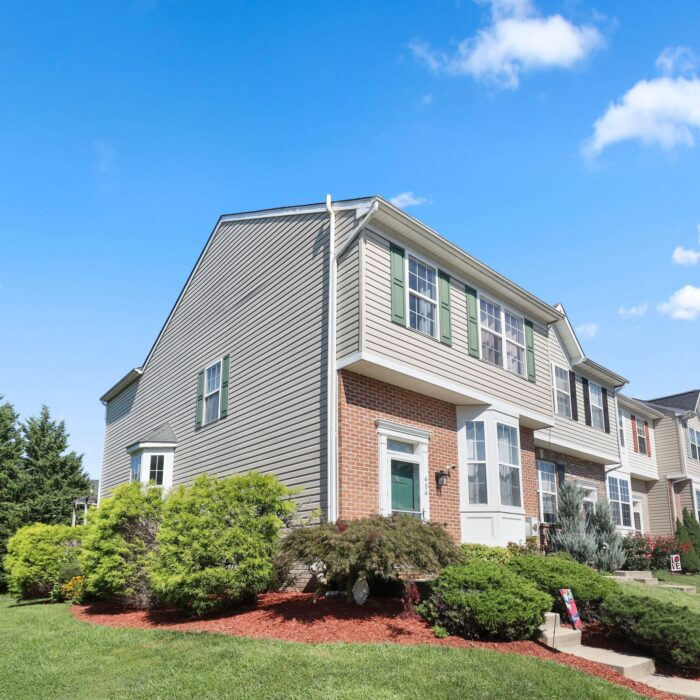 454 Deer Hill Circle, end of group townhouse