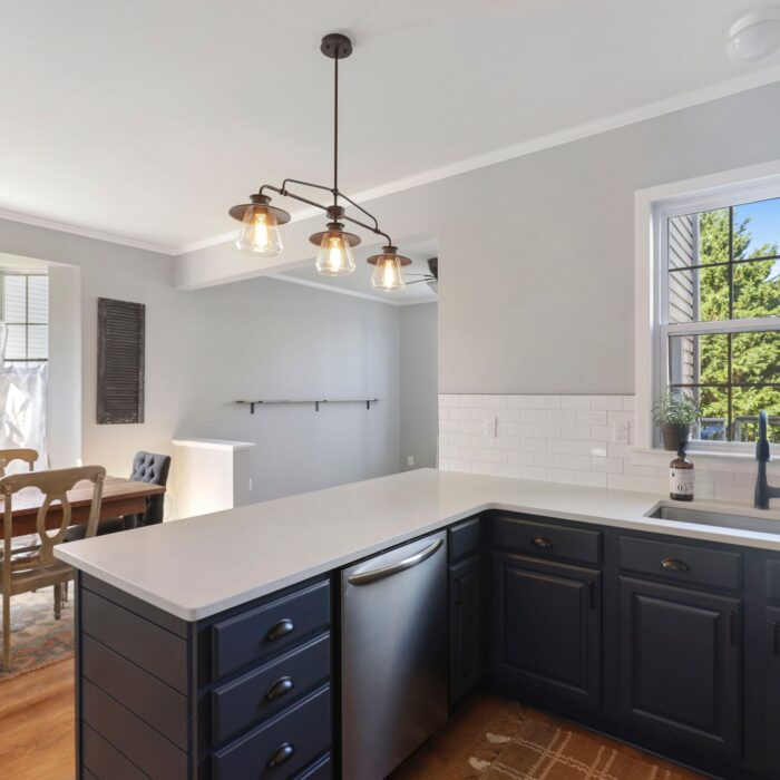 454 Deer Hill Circle, kitchen cabinets