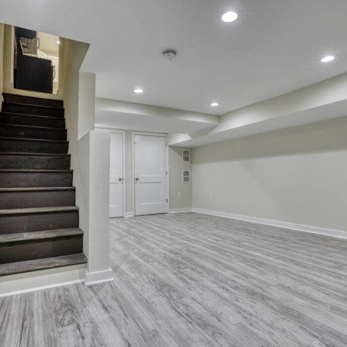627 Dunwich Way, stairs leading to main floor